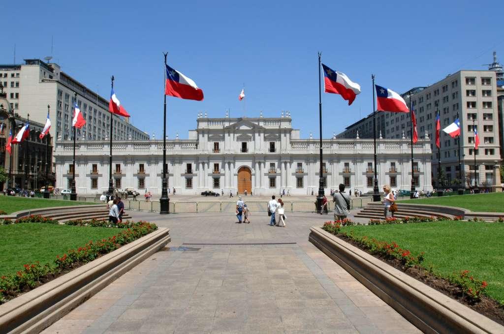 Candidatos presidenciales, la carrera por llegar a La Moneda